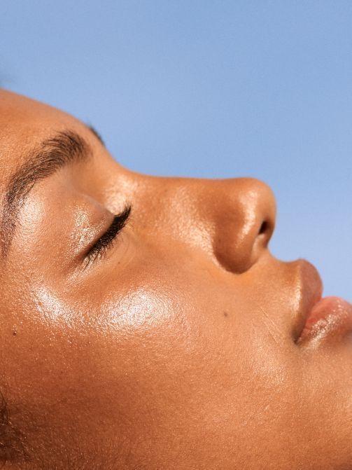Зволоження та насичення для шкіри обличчя – важливий етап влітку