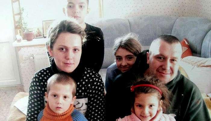 """""""Я мачеха. Но изо всех сил старалась стать мамой"""": как живет семья погибшего Героя Темура Юлдашева"""