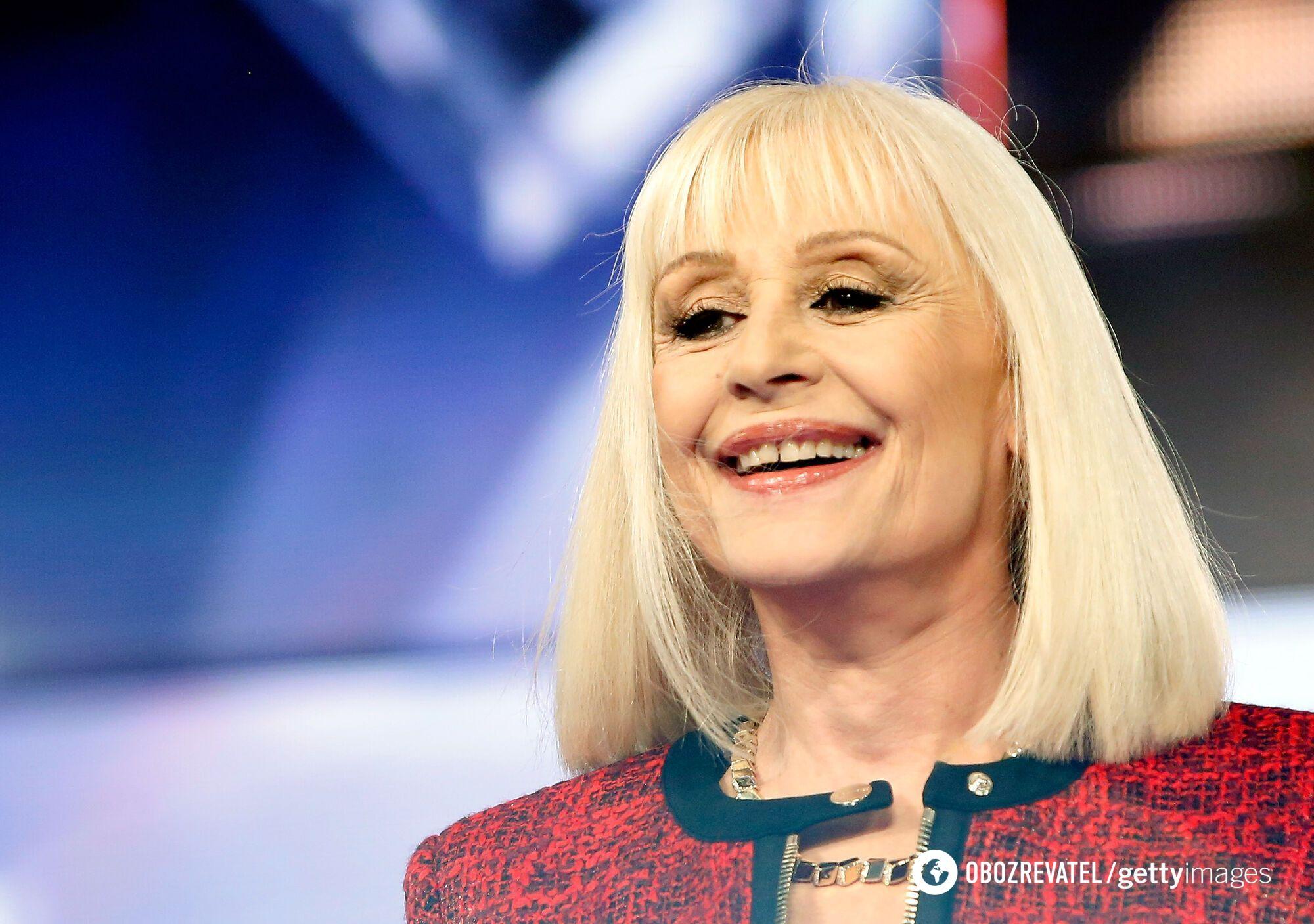Певица Рафаэлла Карра скончалась после болезни.
