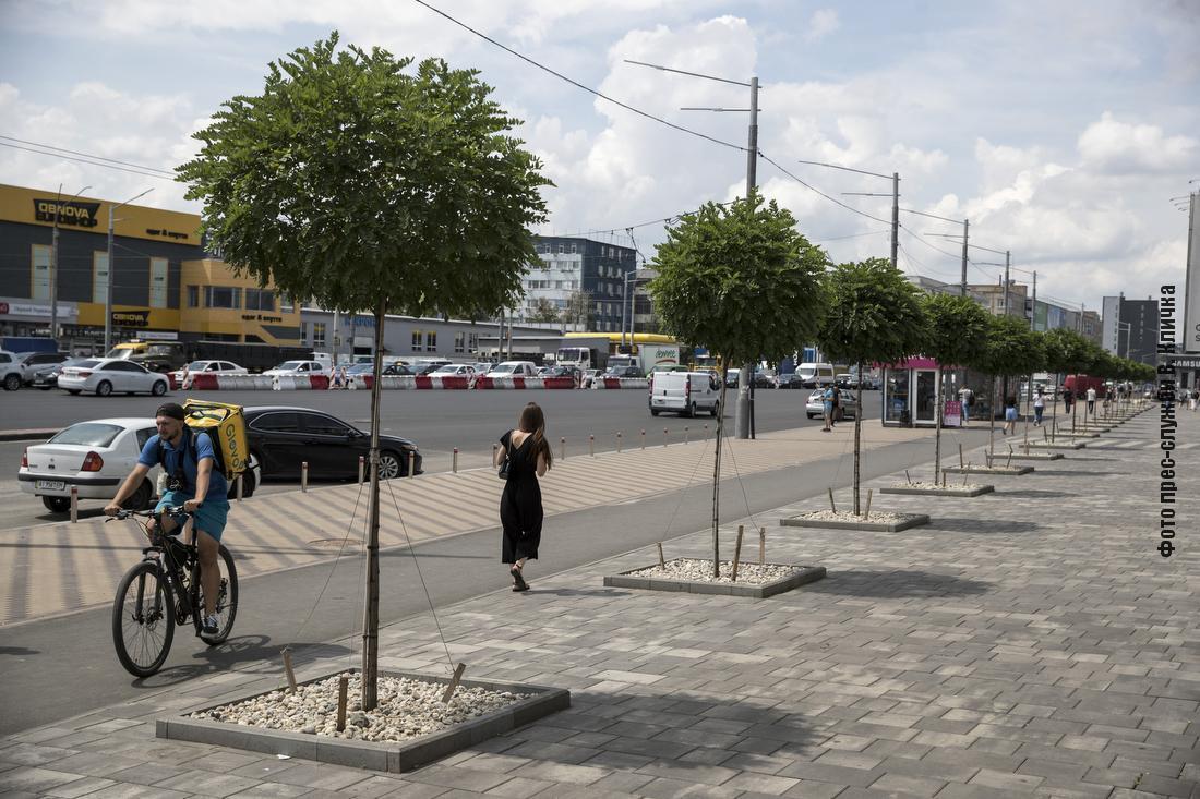 Обновляют тротуары и устраивают велодорожки