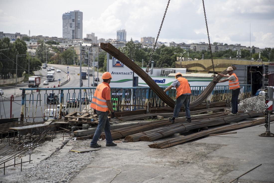 Кличко сообщил о ходе ремонтных работ на объектах дорожной инфраструктуры