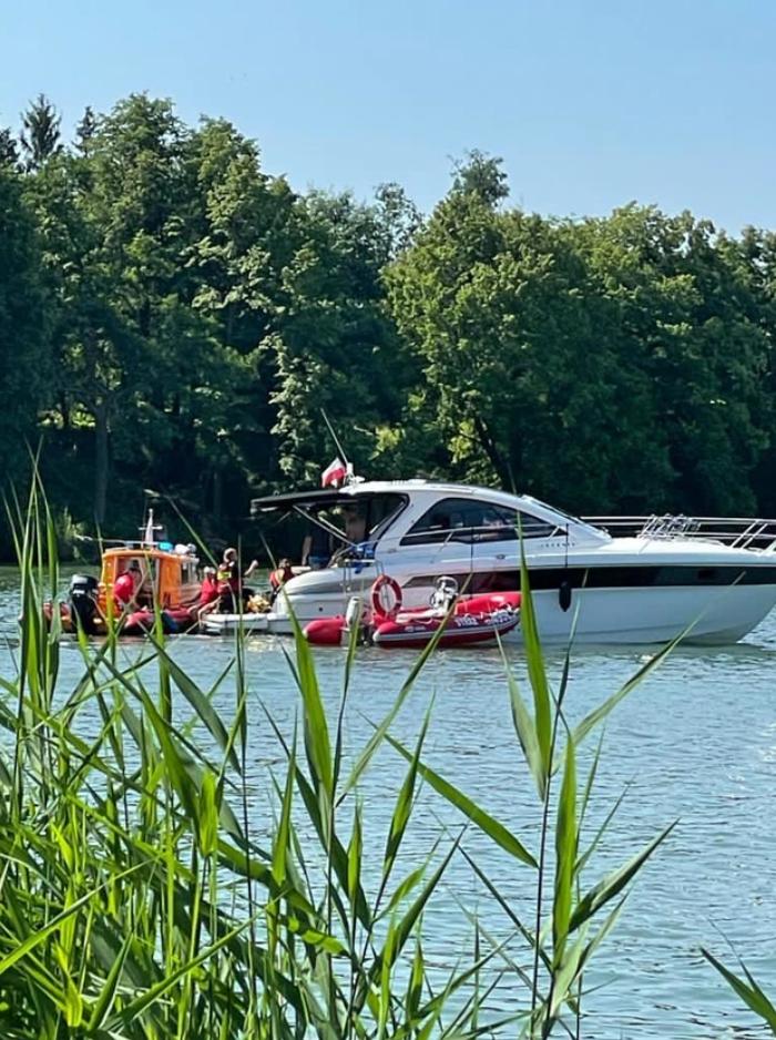 Рятувальники на озері