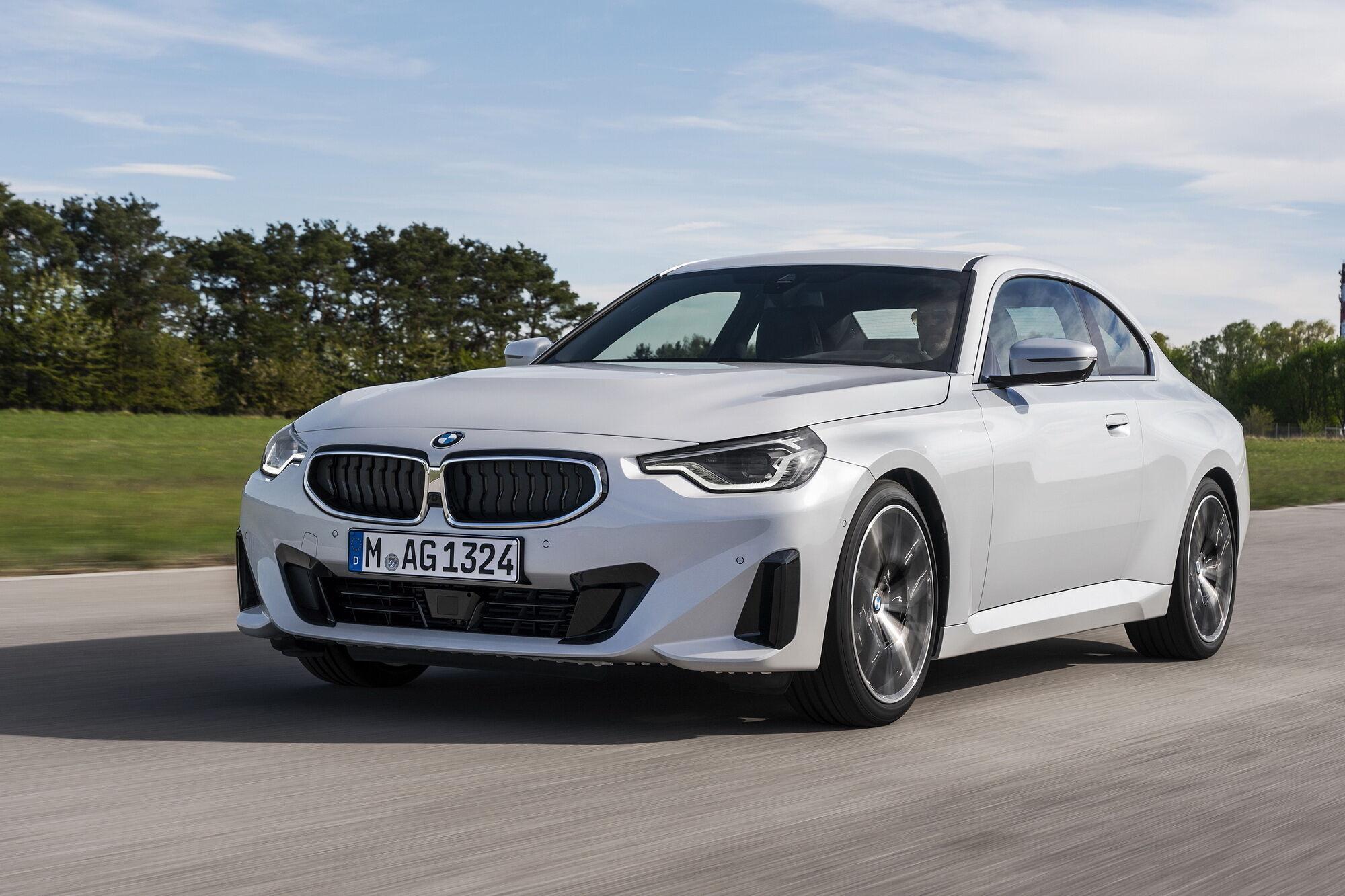 """Бензинова версія початково рівня – BMW 220i Coupе – оснащується 2-літрової """"четвіркою"""""""