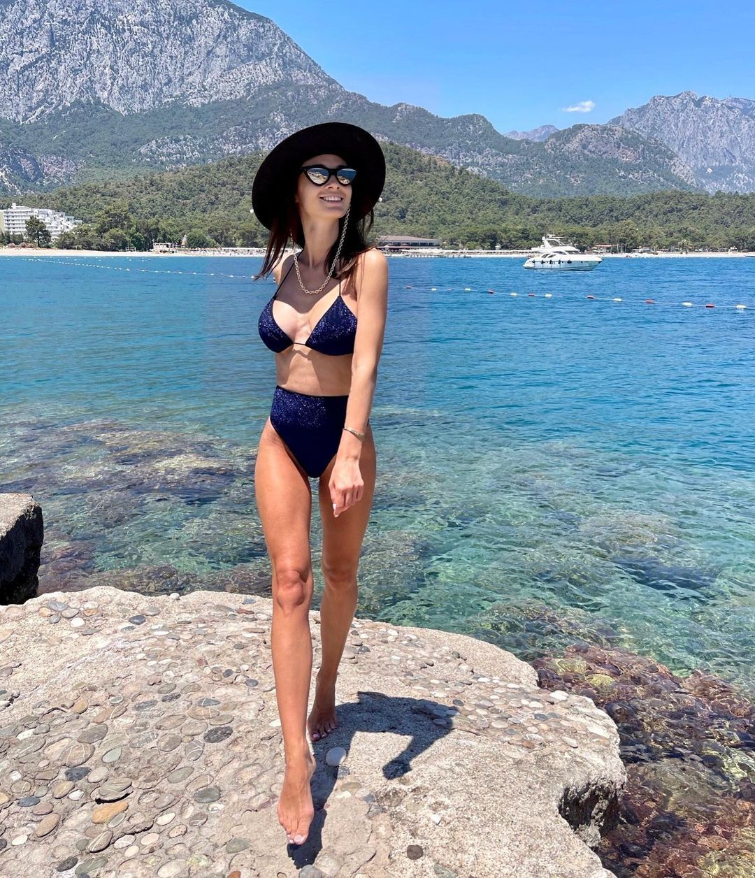 Анна Сидорчук в шляпе