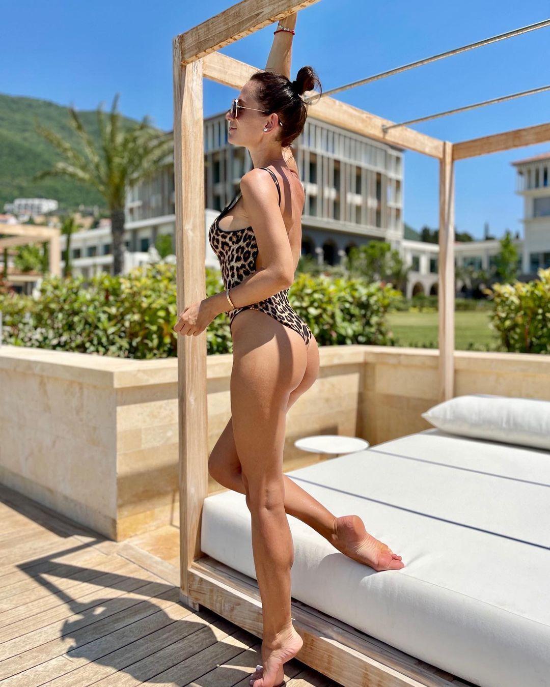 Анна Сидорчук в купальнике