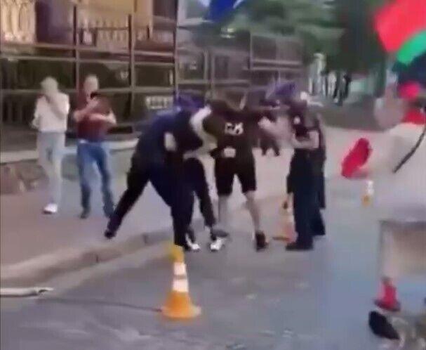 Внаслідок бійки постраждало двоє осіб.
