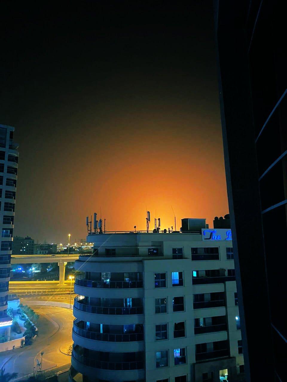 Зарево от взрыва и пожара были видны очень далеко.