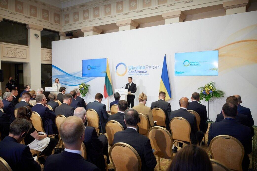 Владимир Зеленский предложил Литве провести совместный Евробаскет с Украиной