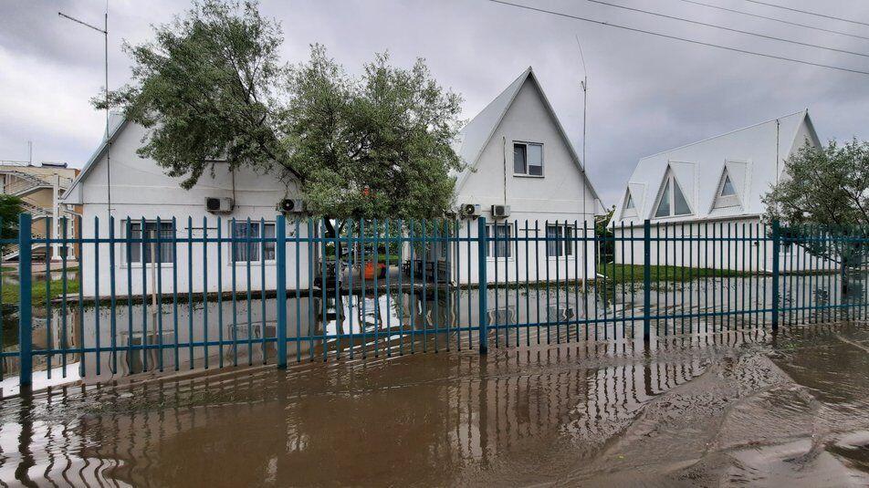Негода підтопила будинки жителів і бази відпочинку