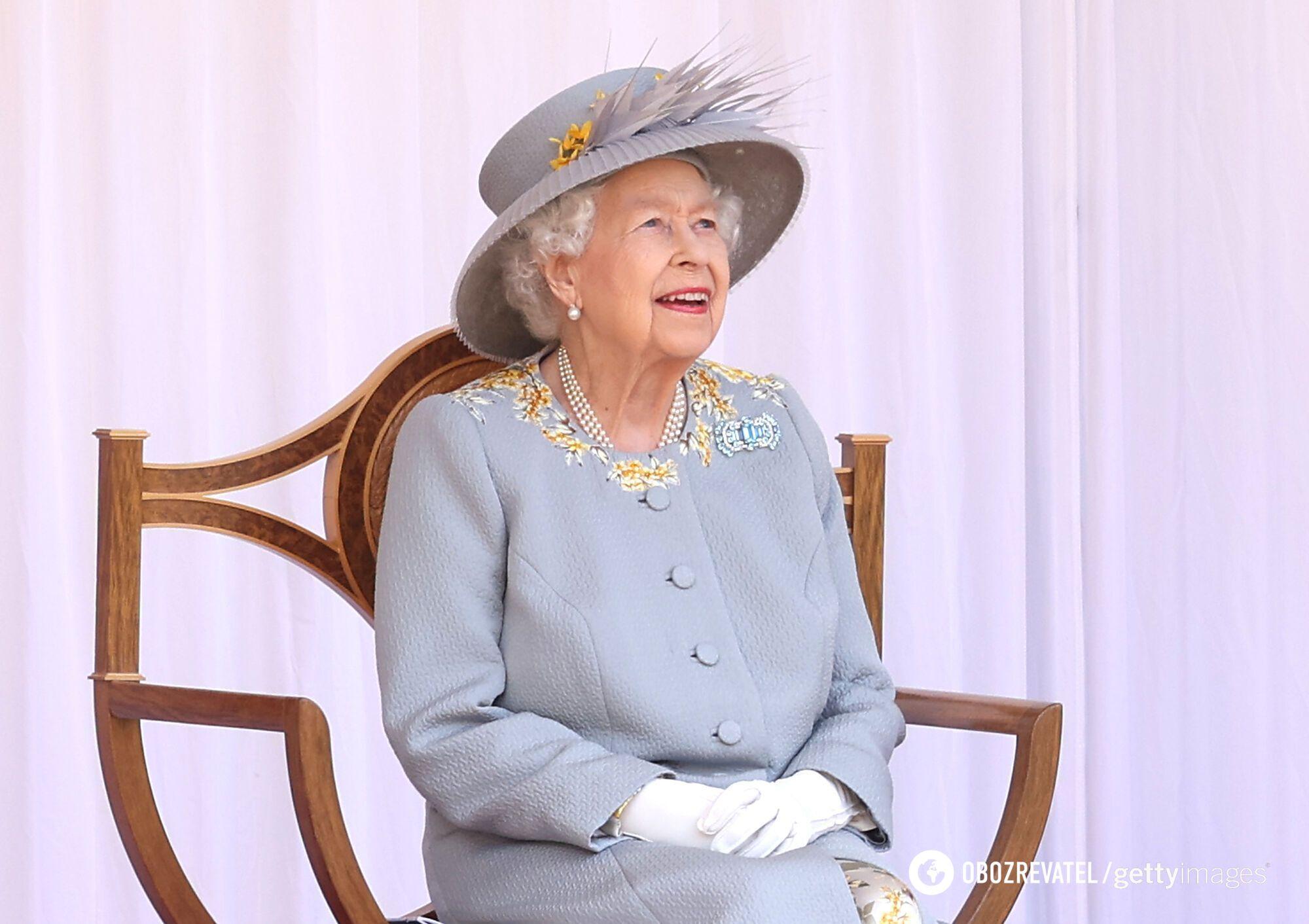 Королева Великобританії Єлизавета II.