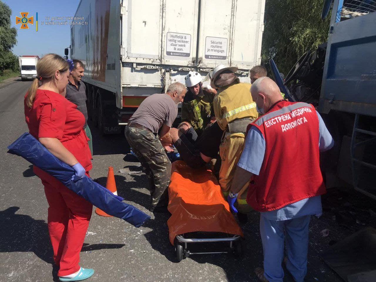 У постраждалого водія діагностували численні травми.