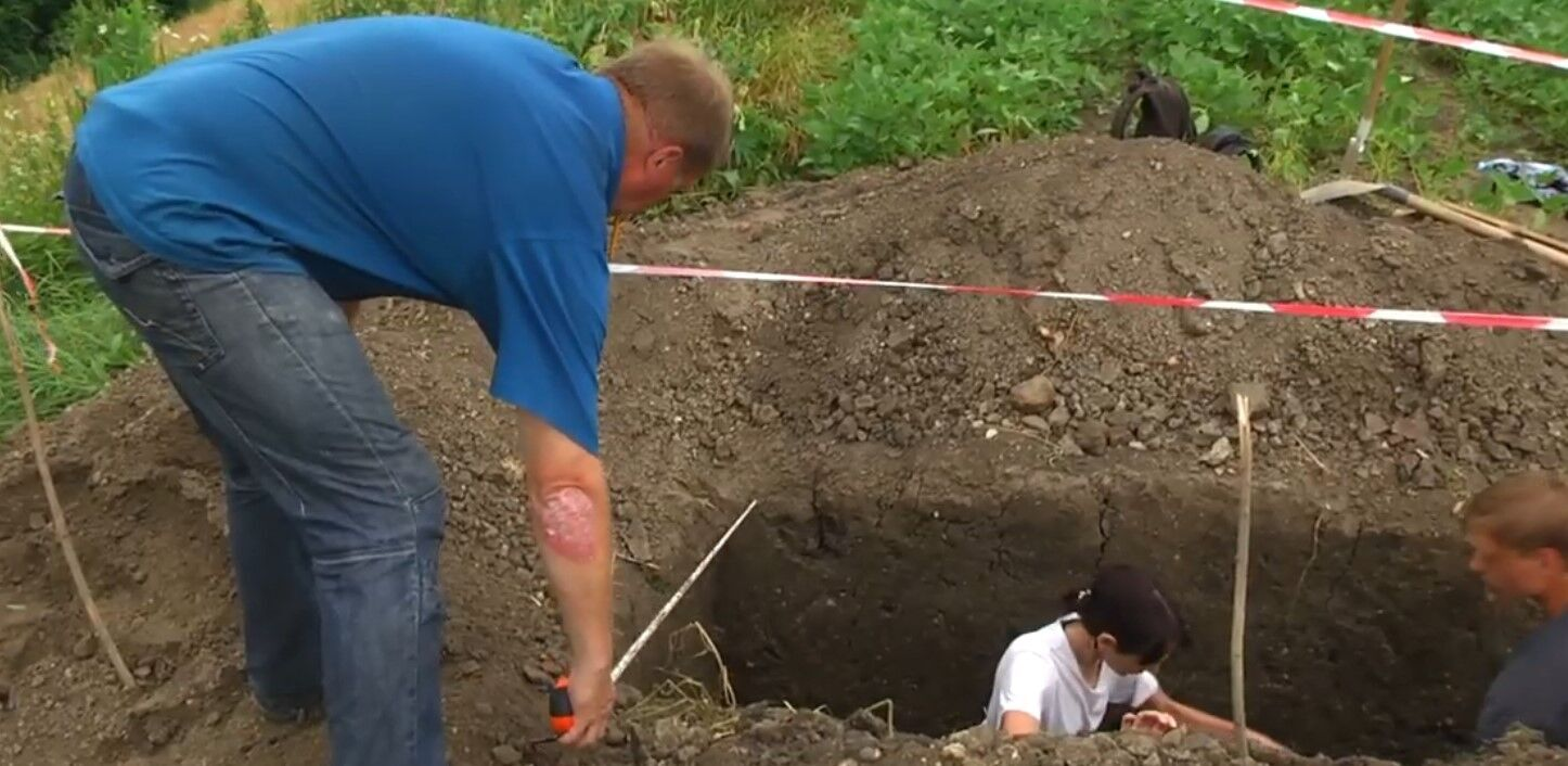 Археологи искали артефакты в трех траншеях