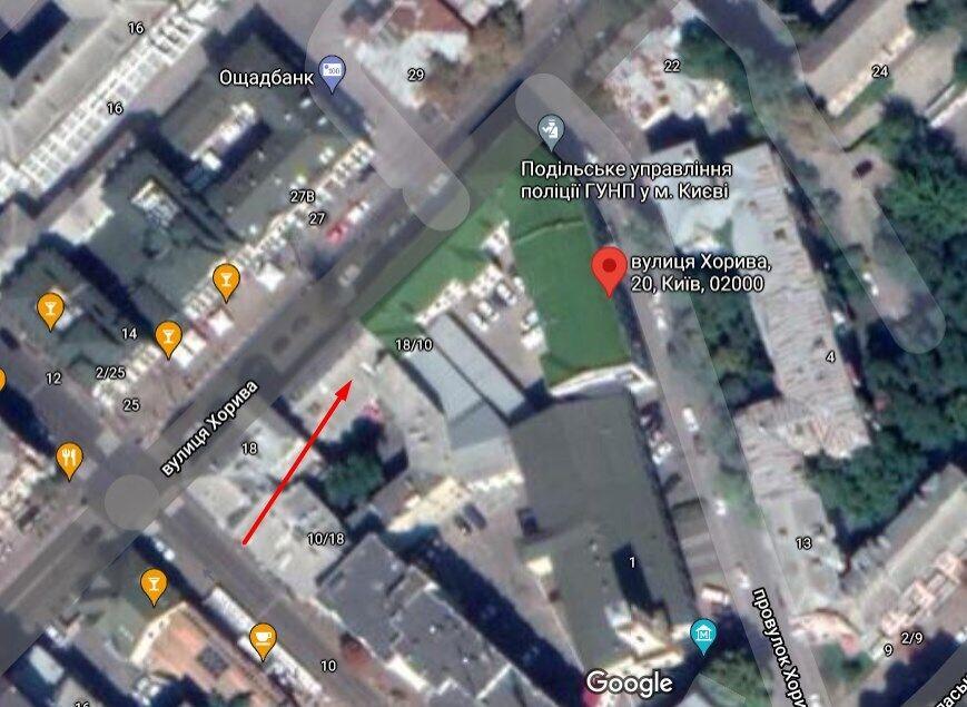 Злочинець після втечі ховався на даху сусідньої з поліцією будівлі