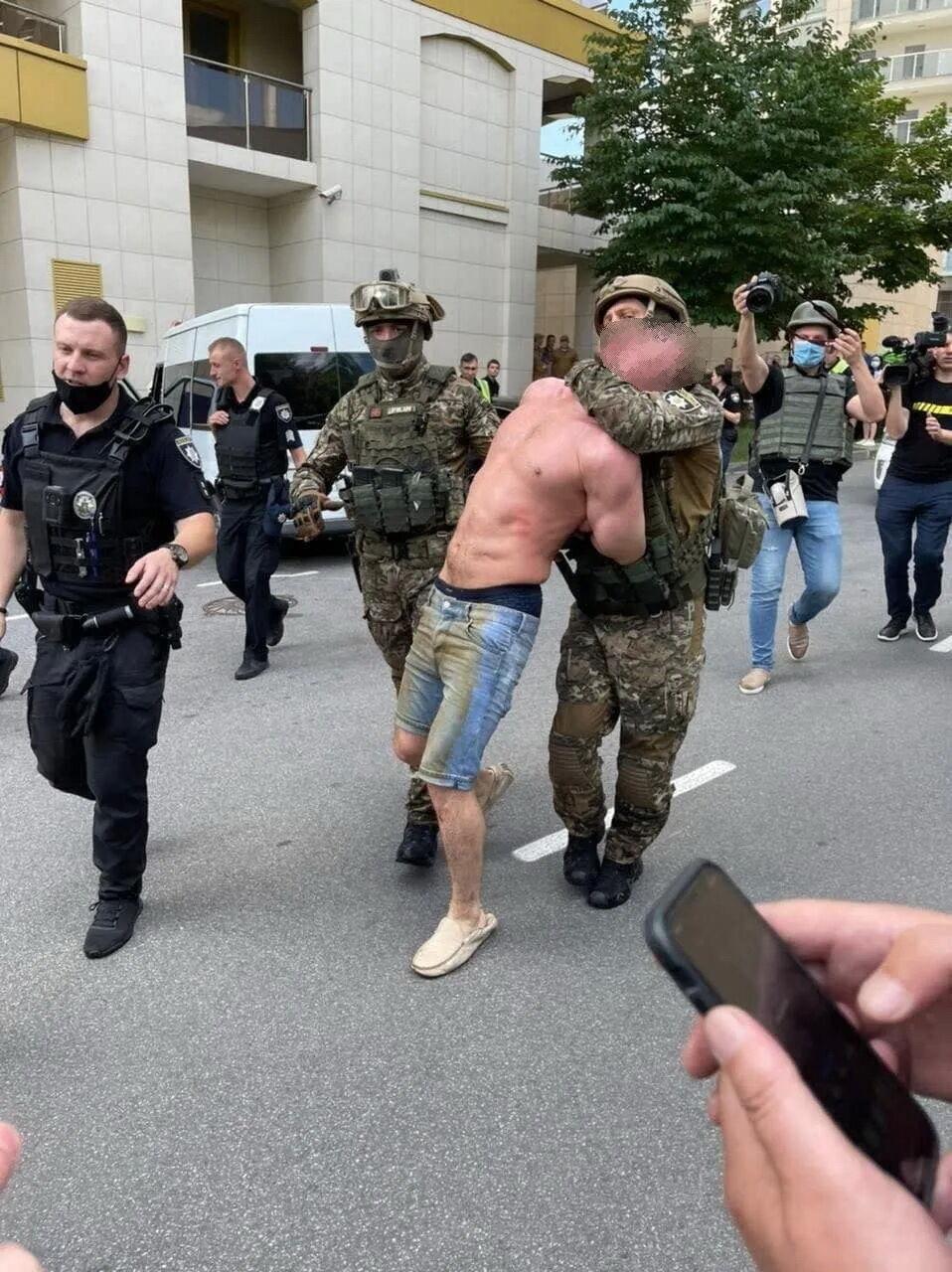 Мужчине грозит до 15 лет лишения свободы или пожизненное.