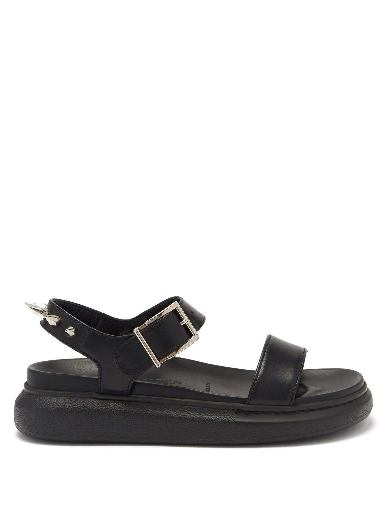 Модные сандалии.