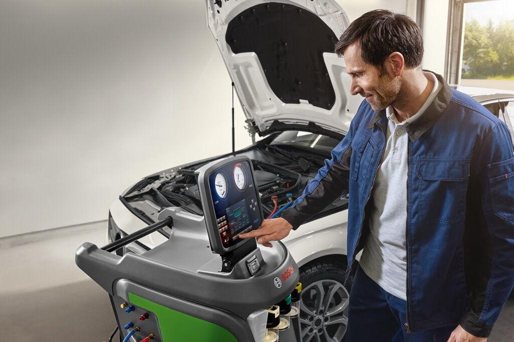 Большинство водителей вспоминают об аккумуляторе только, когда двигатель отказывается заводиться