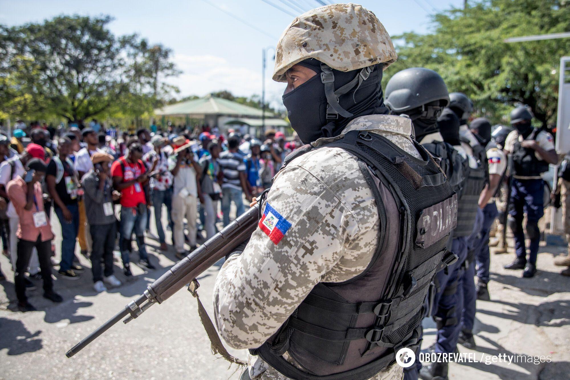 Поліцейські на вулицях Гаїті після вбивства президента
