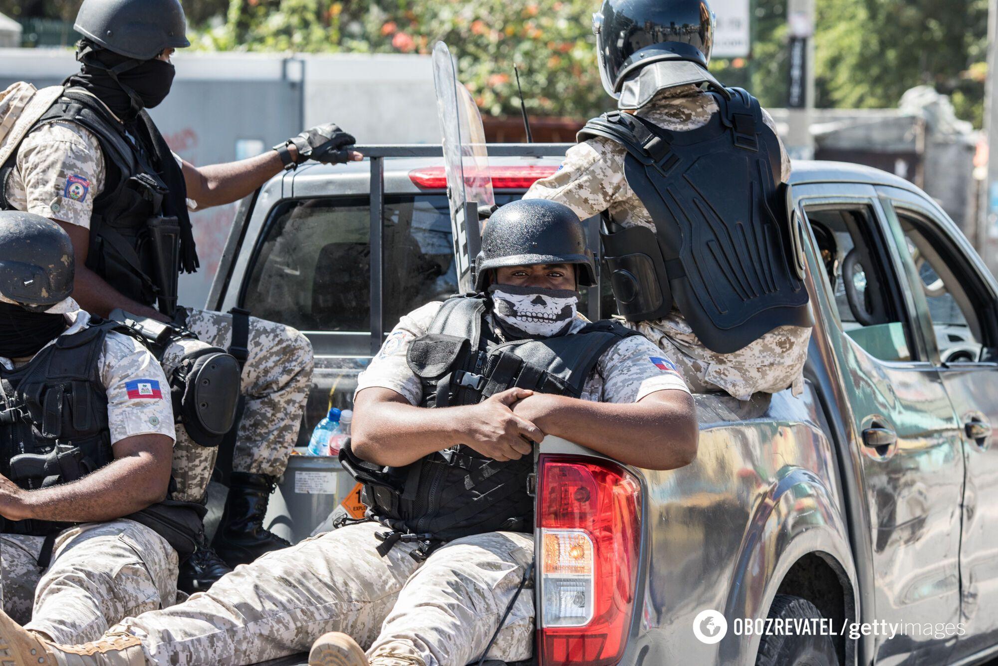 Поліція на вулицях Гаїті