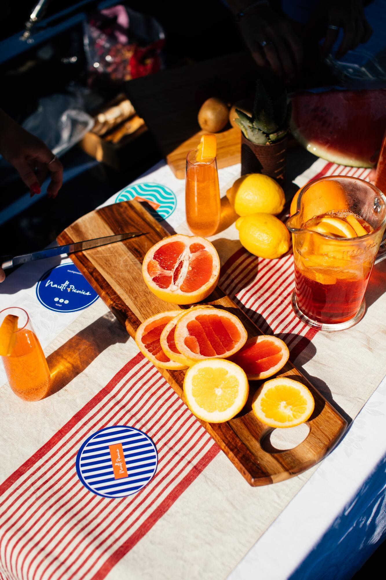 Домашний лимонад с базиликом и цитрусовыми