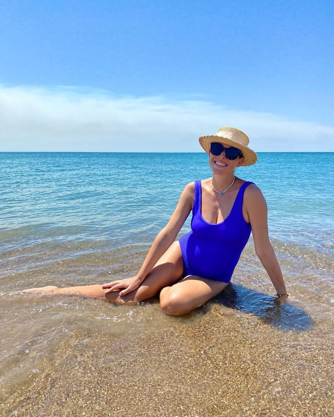 Осадча показала себе в купальнику на останній місяцях вагітності