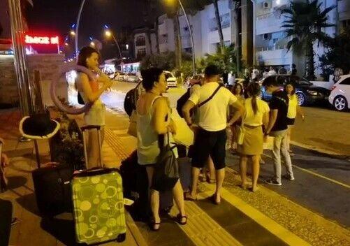 Эвакуация туристов из отелей