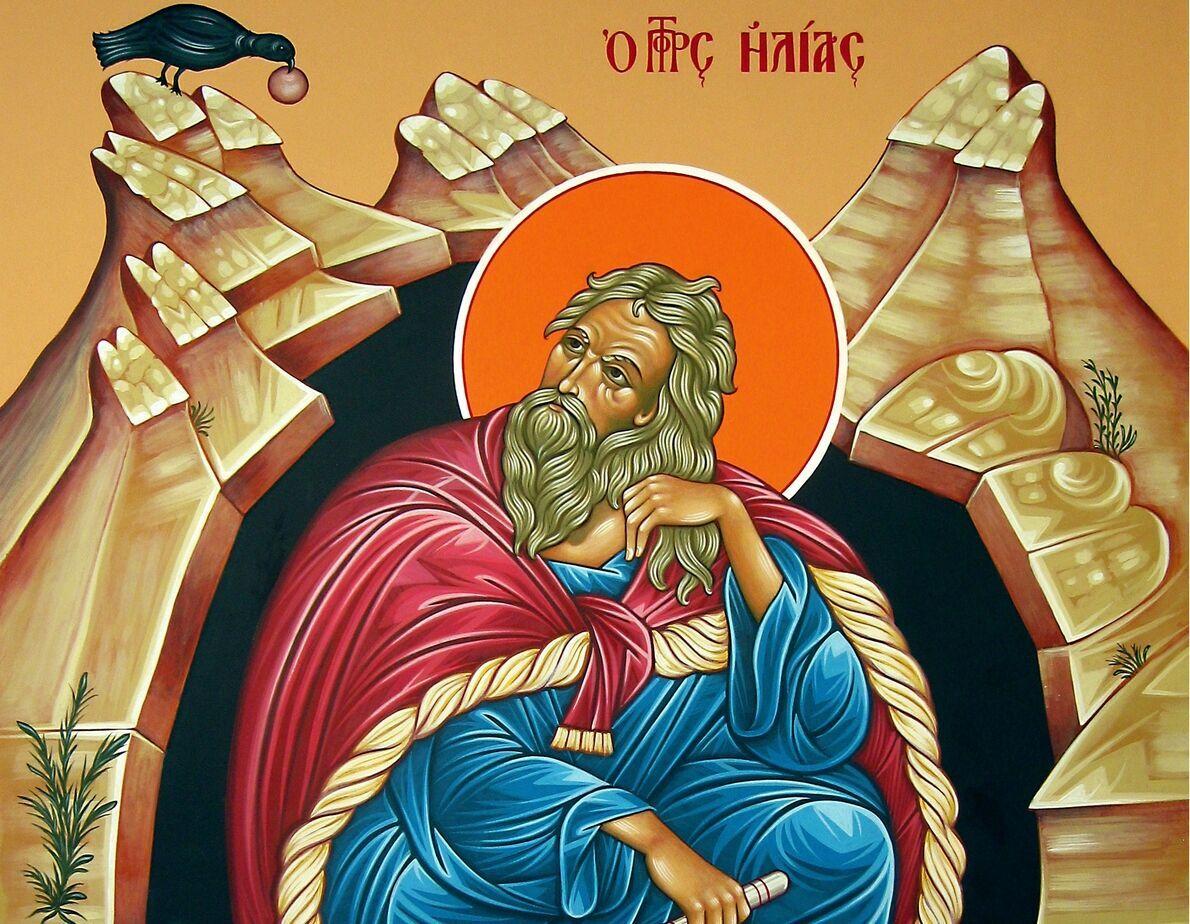 В День Ильи верующие стараются посетить богослужение и праздничный крестный ход