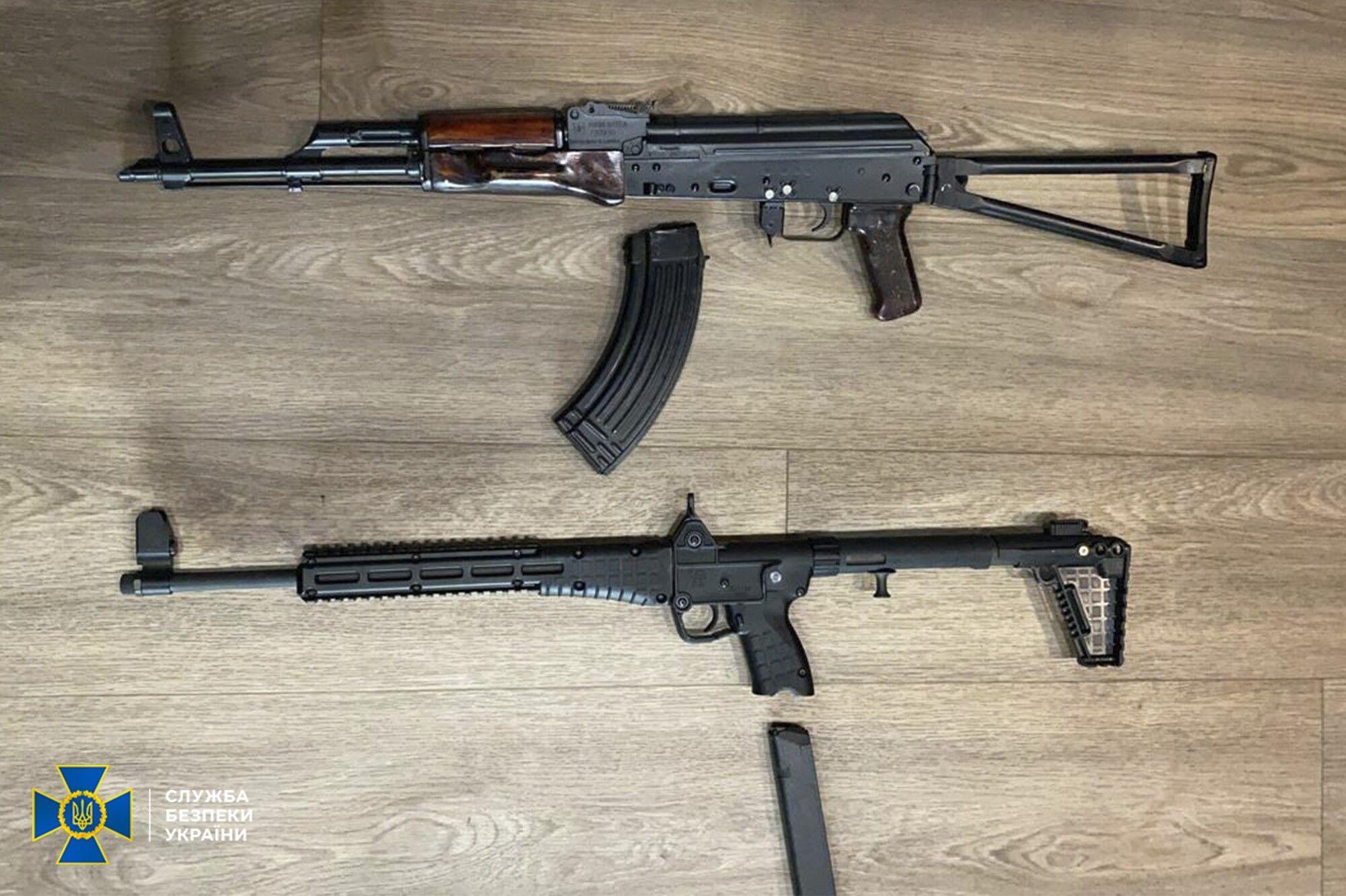 Зброя, знайдена в будинках членів ОЗГ