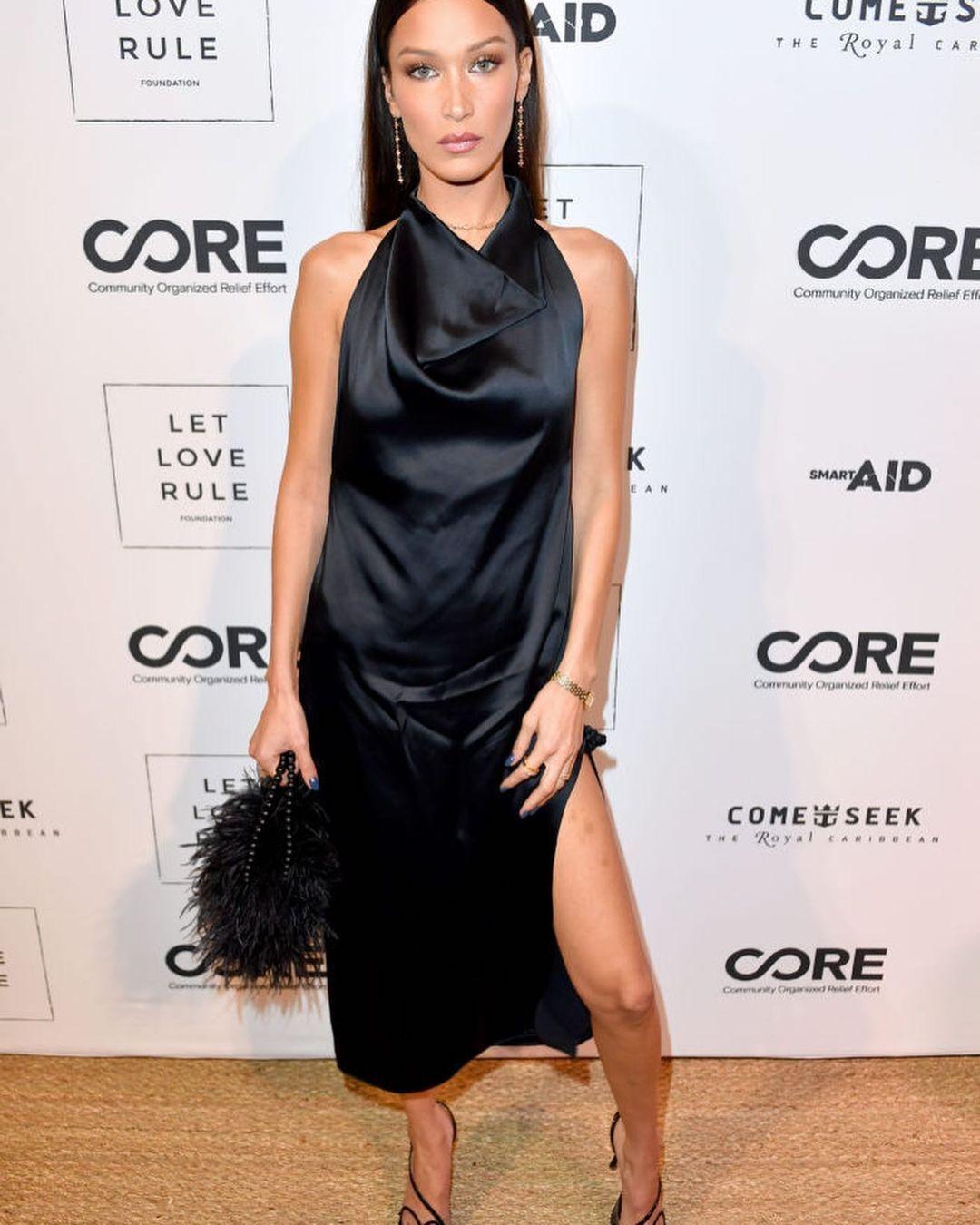 Белла Хадид надела шелковое платье Bevza в Майами в 2019 году