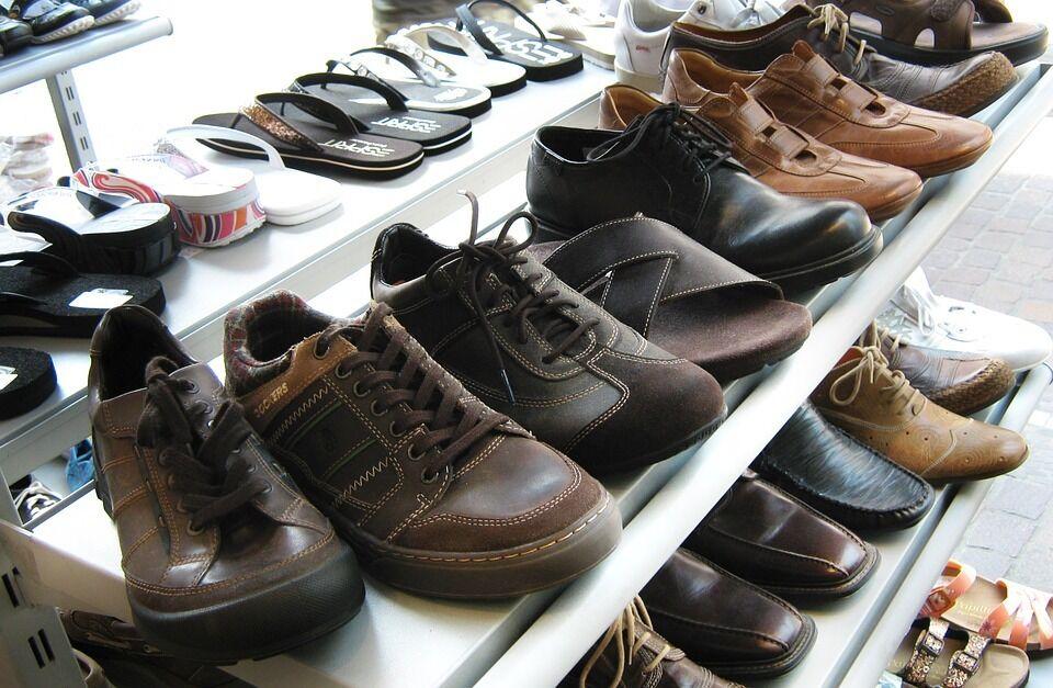 Чаще всего украинцев дурят с обувью