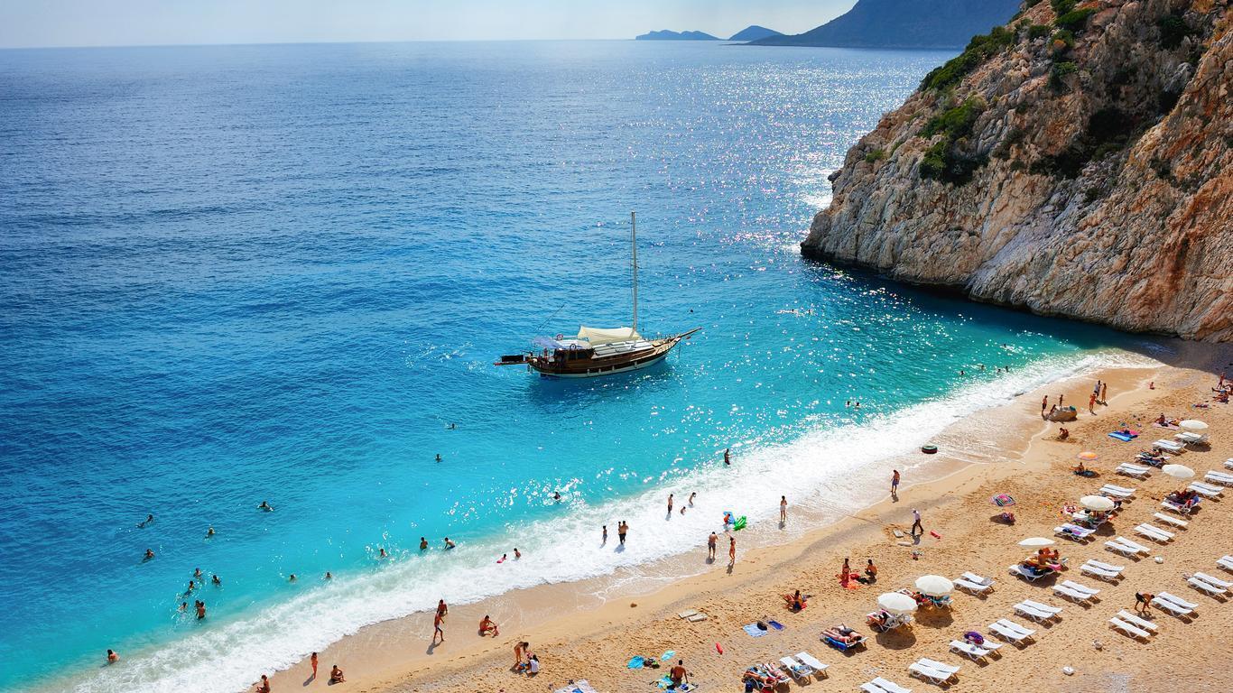 Фетхие подходит для пляжного отдыха и экскурсионного туризма
