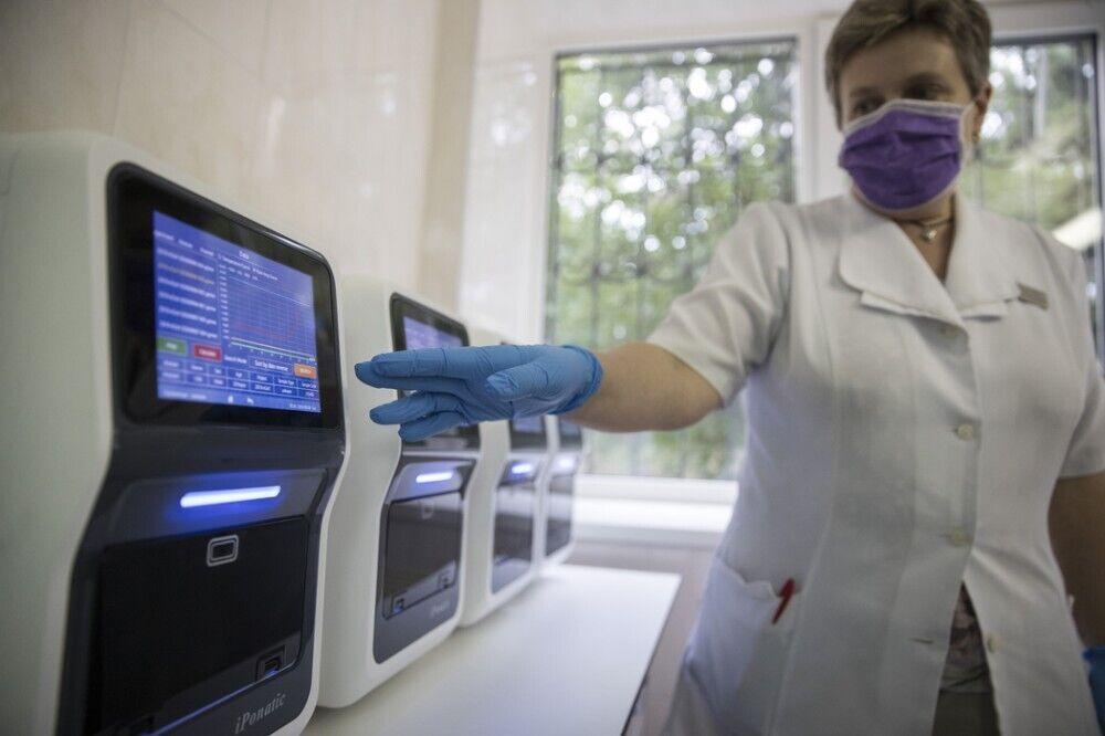 В КГГА уверяют: столичные больницы обеспечены всем, что необходимо для лечения пациентов с COVID-19