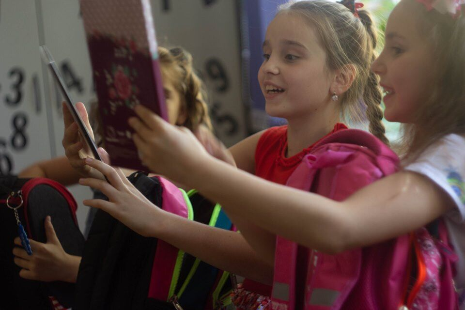 """В межах всеукраїнської щорічної кампанії """"Шкільний портфелик"""" для дітей придбають шкільне приладдя"""