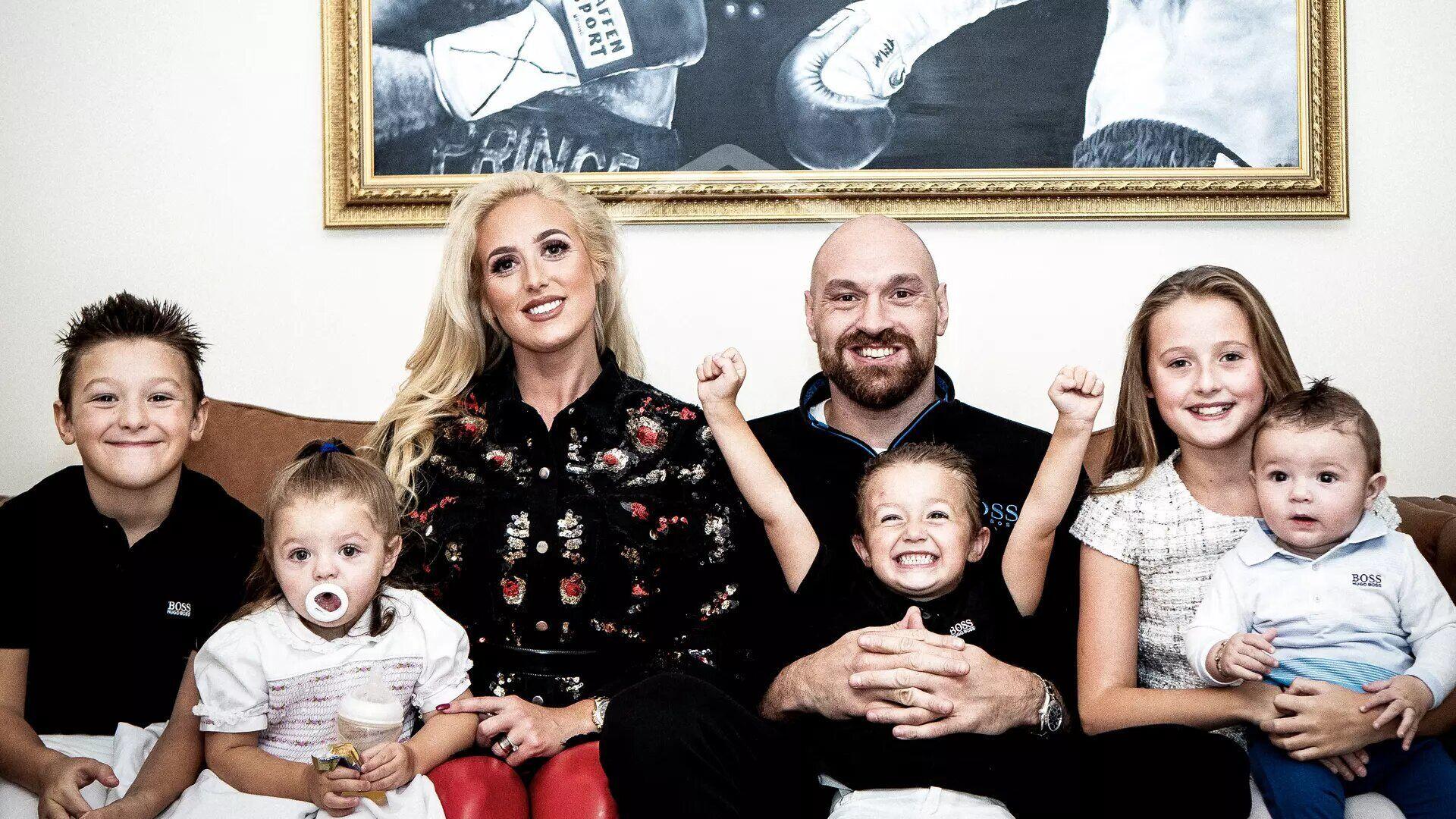 Тайсон Ф'юрі з сім'єю