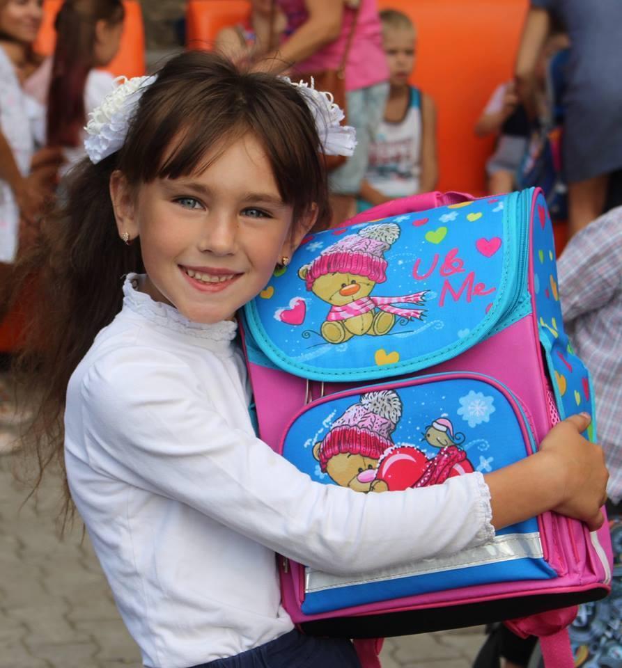 """Працівники """"Карітасу"""" в різних куточках України складають список дітей, які мають потребу в допомозі для підготовки до школи"""