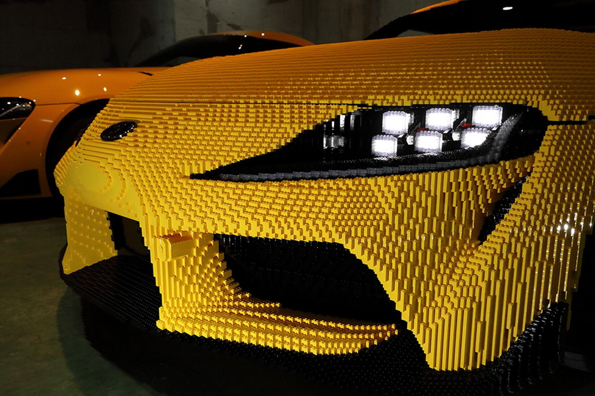 Автомобіль має чудову деталировку і працездатні фари з ДХВ