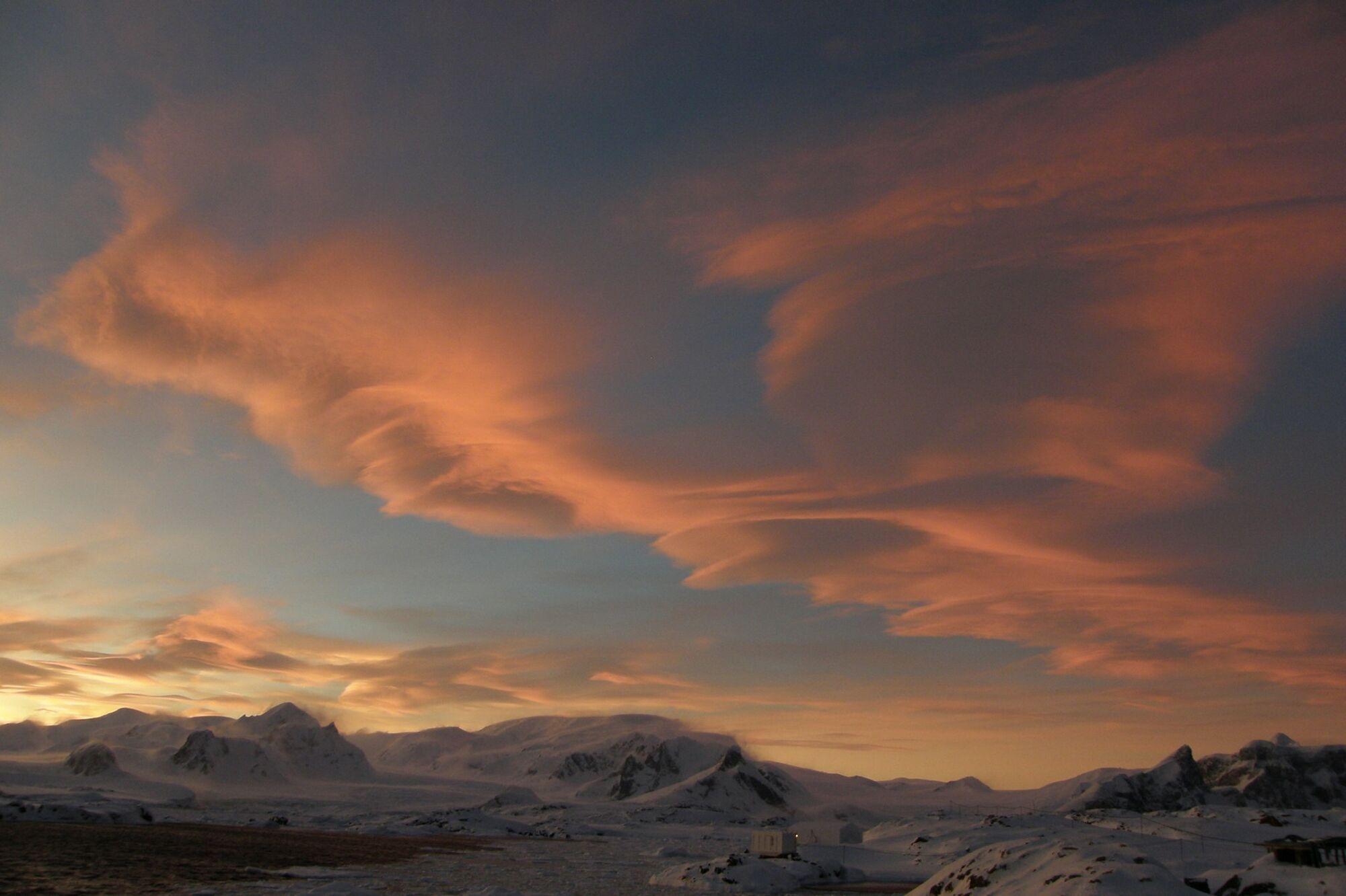 Фото незвичайних хмар минулих років.