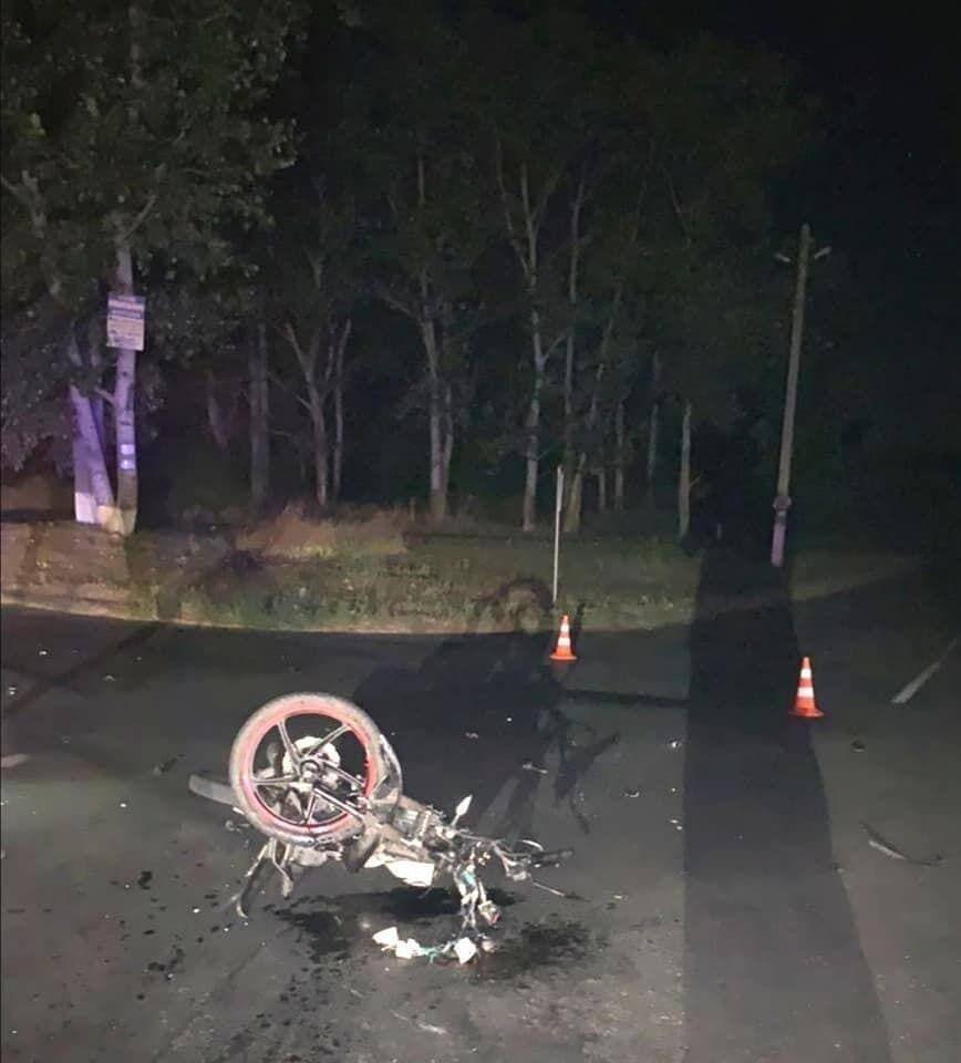Мотоциклист умер в больнице.