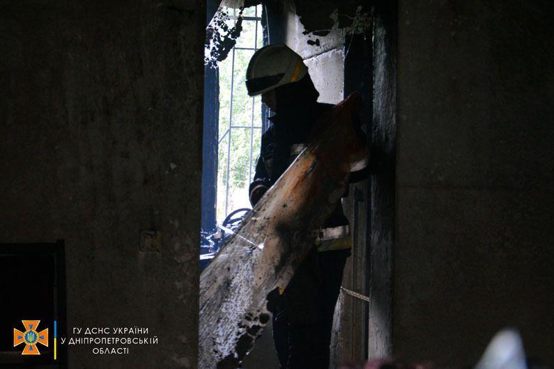 Взрыв спровоцировал пожар.