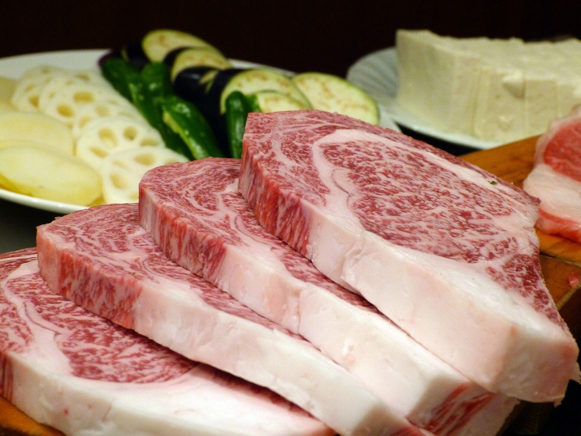 Під час вибору м'яса завжди звертайте увагу на запах