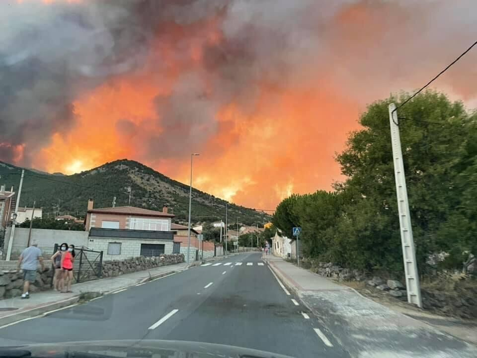 Надзвичайно посушливі умови збільшують ризик виникнення нових пожеж.