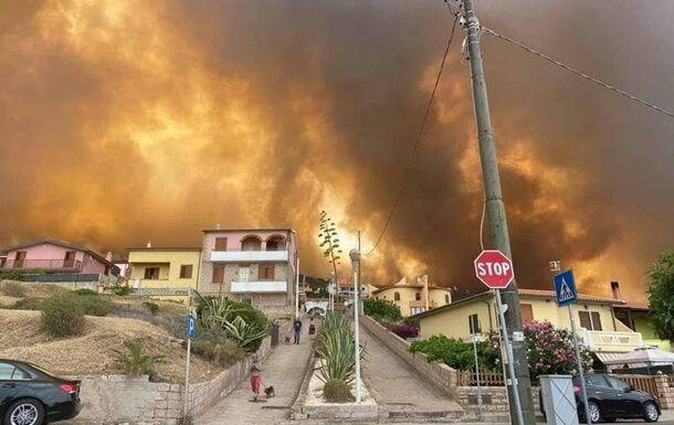 Сотні людей евакуйовані в Іспанії через масштабні лісові пожежі.