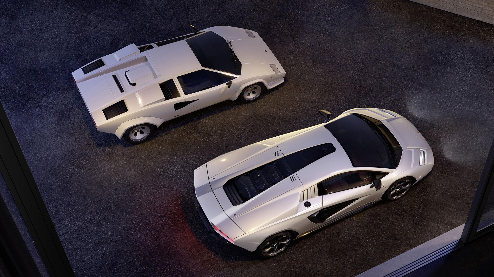 Під капотом новинки ховається 6,5-літровий V12, який розвиває потужність 780 к.с.