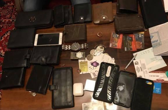 Вещи, которые нашли и изъяли во время обысков.