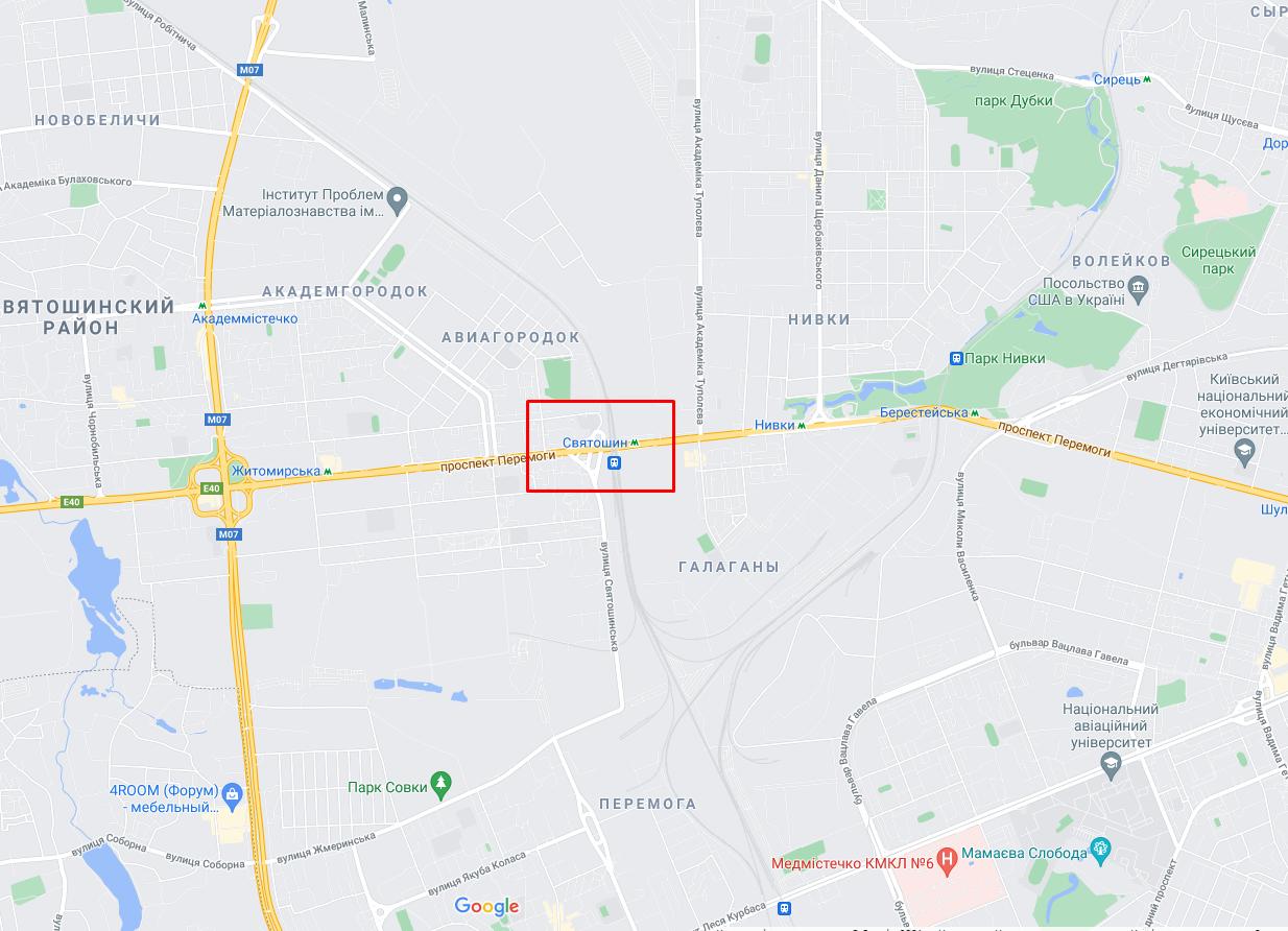 """МАФы загорелись возле метро станции """"Святошин""""."""