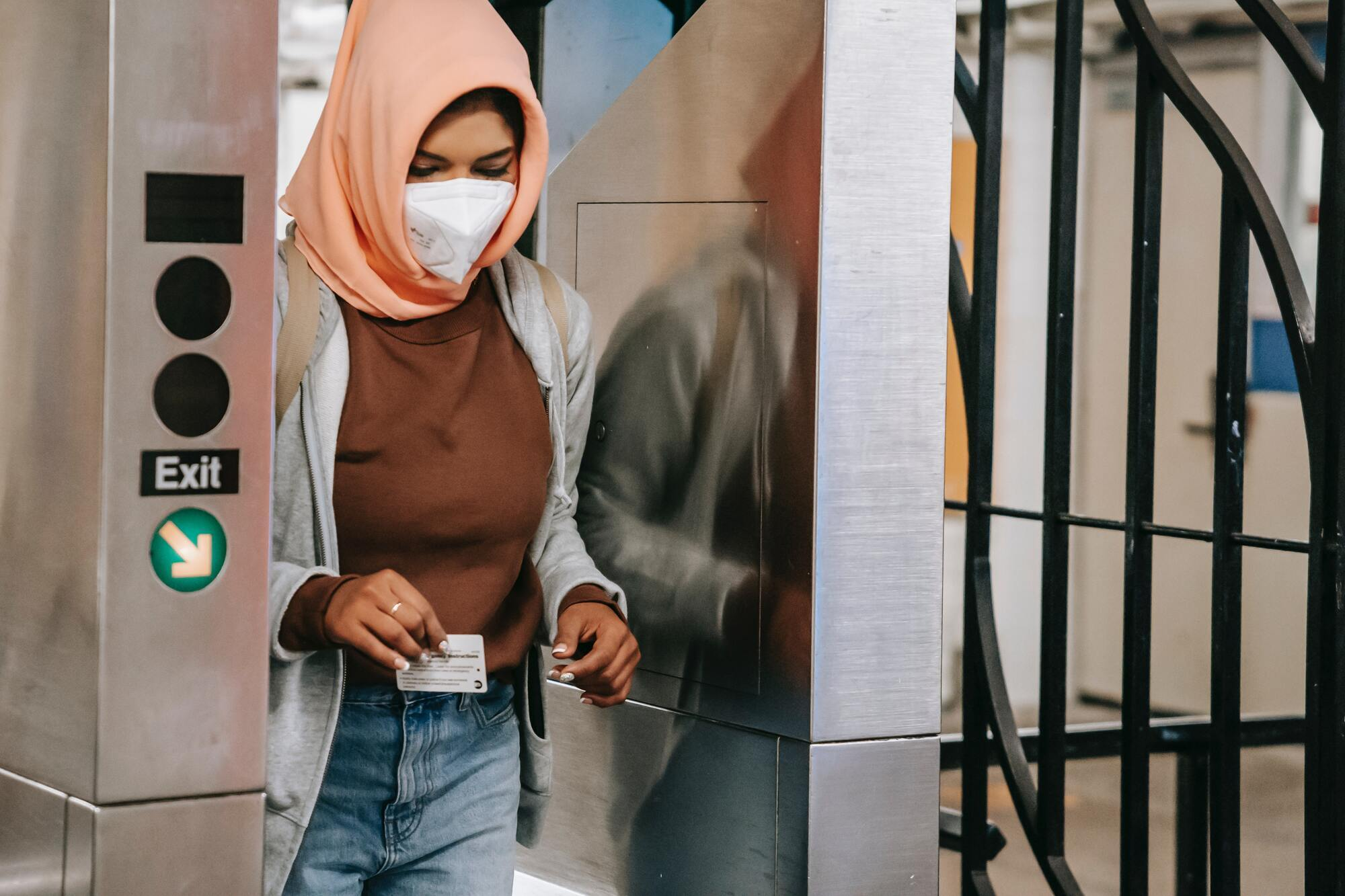 На вулицях і в усіх громадських місцях у мусульманських країнах суворо заборонено лихословити