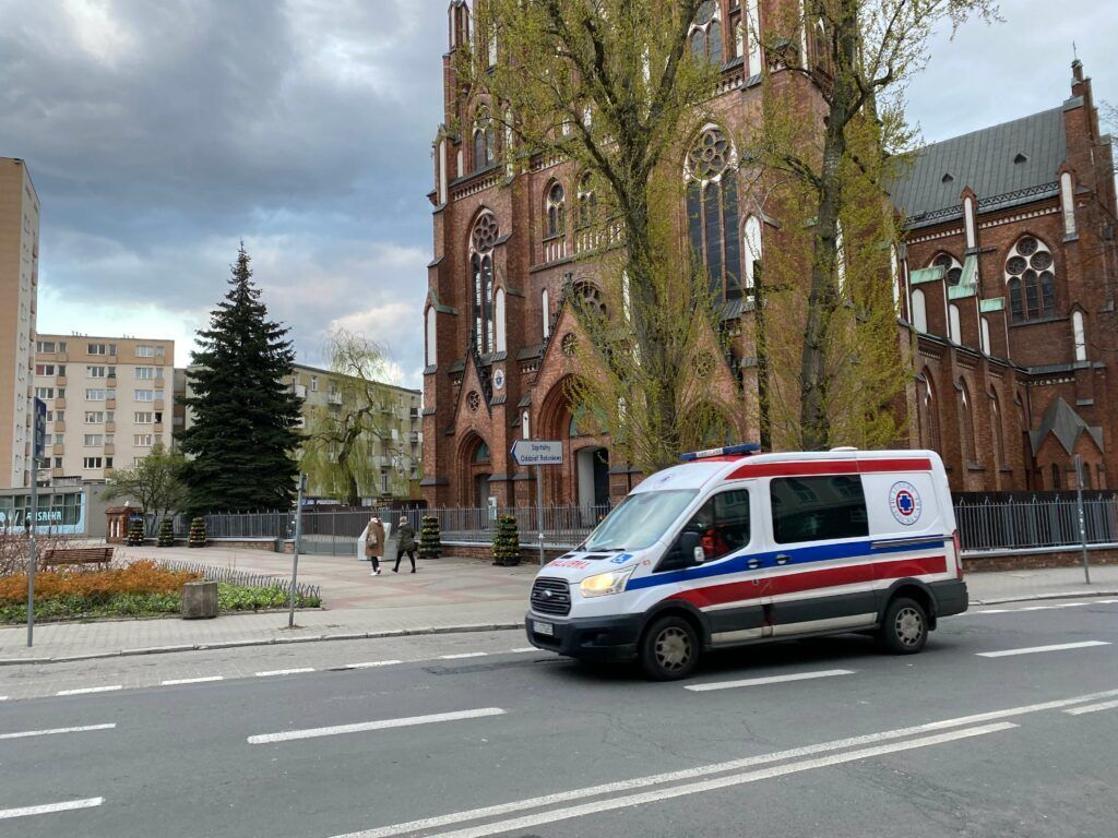 Сирени екстрених служб, які колесять по дорогах Польщі, дуже гучні