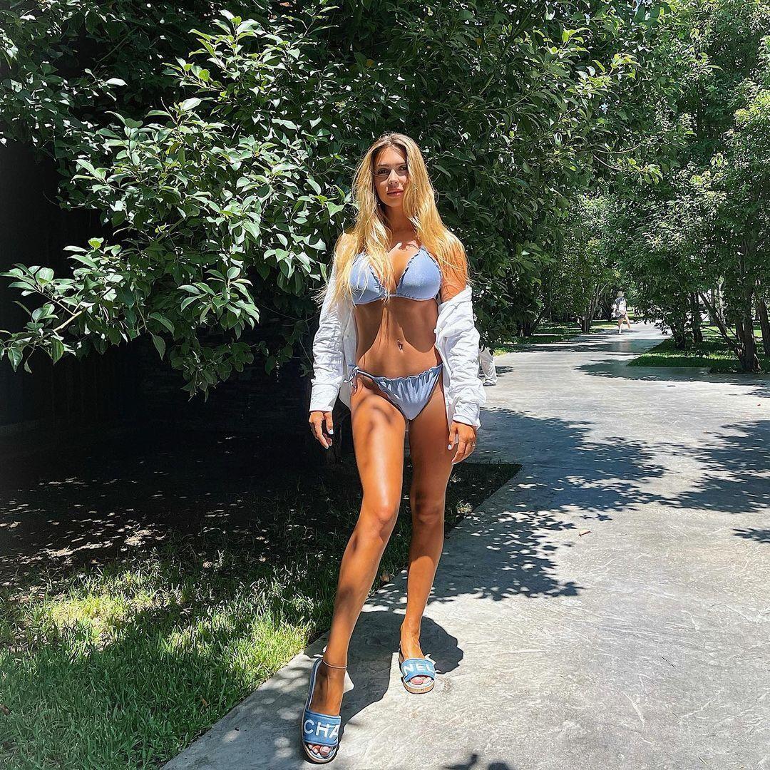 Христина Яремчук в купальнику