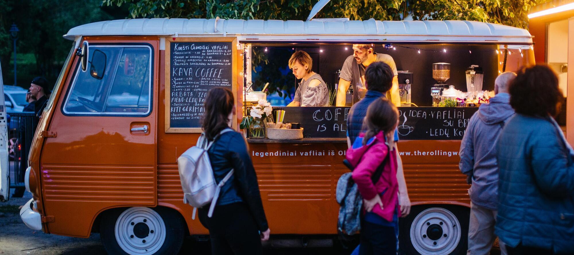 Альтернатива all inclusive для активный туристов – это самостоятельно приготовленная пища, уличная еда или питание в кафе и ресторанах