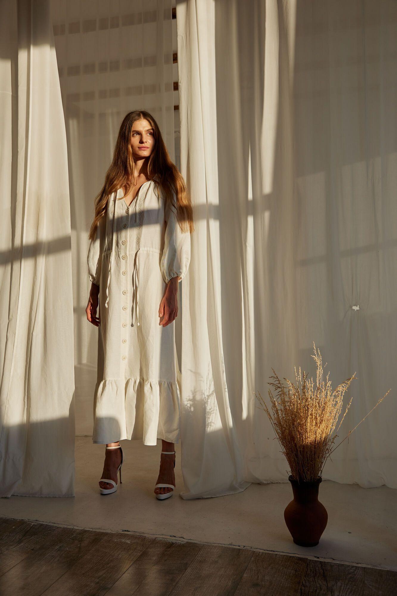 Платье и блуза сшиты из органического льна