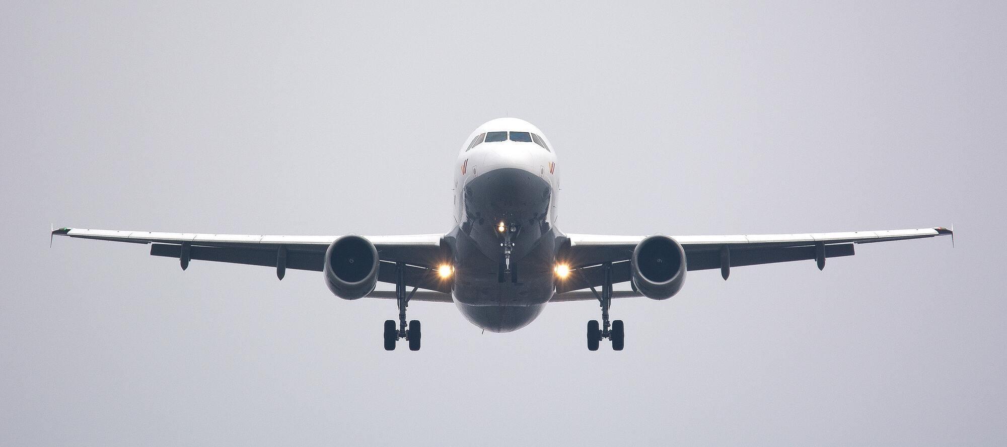 У літак часто потрапляє блискавка, але пасажири цього не помічають
